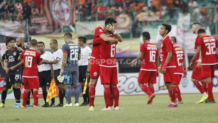Pemain Persija Jakarta merayakan kemenagan atas PSIS Semarang pada pertandingan Liga 1 di Stadion Patriot Bekasi, Minggu (15/09/19). Copyright: © Herry Ibrahim/INDOSPORT