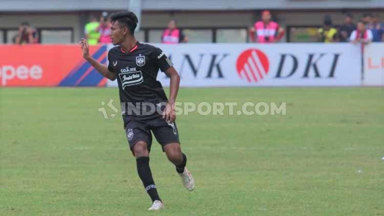 Pemain muda PSIS, Eka Febri berpeluang tampil saat menghadapi Barito Putra pada lanjutna Liga 1 di Stadion Demang Lehman, Selasa (22/10/2019) besok. Copyright: © Alvin Syaptia Pratama/INDOSPORT