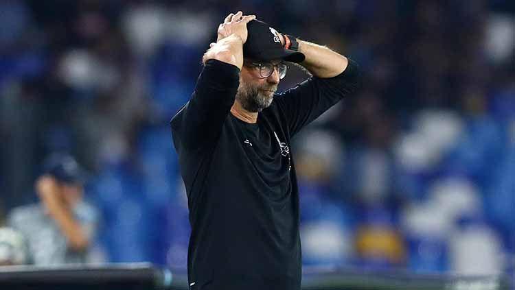 Pelatih Liverpool, Jurgen Klopp meunjukan ekspresi yang tak mengenakkan usai timnya dikalahkan Napoli. Copyright: © Matteo Ciambelli/NurPhoto via Getty Images