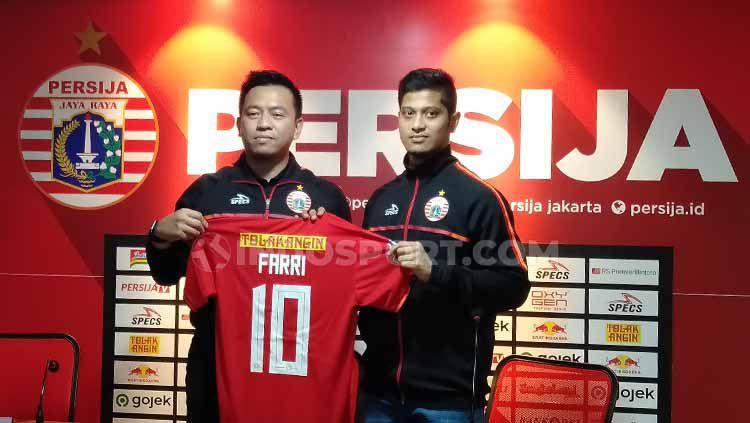 Farri Agri resmi bergabung ke Persija Jakarta dengan nomor punggung yang dikenal keramat, yakni nomor 10. Copyright: © Shintya Anya Maharani/INDOSPORT