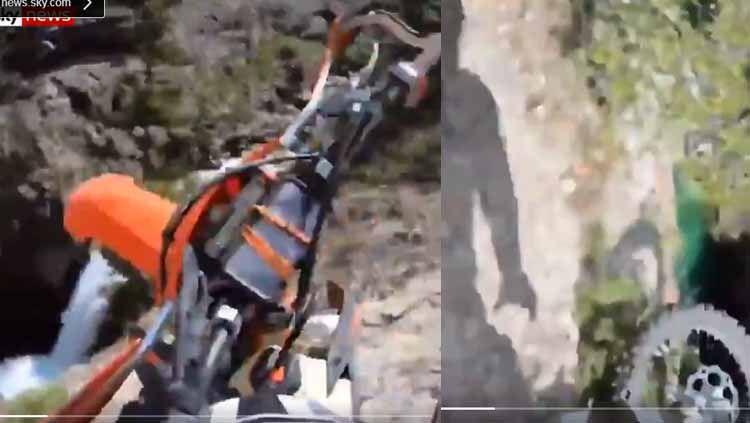 Pesepeda jatuh dari atas tebing dengan ketinggian 70 kaki. Copyright: © SkyNews
