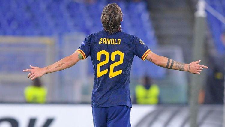 Nicolo Zaniolo, pemain yang dibuang Inter Milan kini terus berkembang bersama AS Roma Copyright: © asroma.com