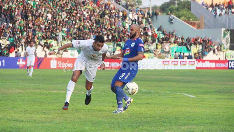 Laga pertandingan antara PSIS Semarang vs Persebaya, Jumat (20/09/19) Copyright: © Alvin Syaptia Pratama/INDOSPORT