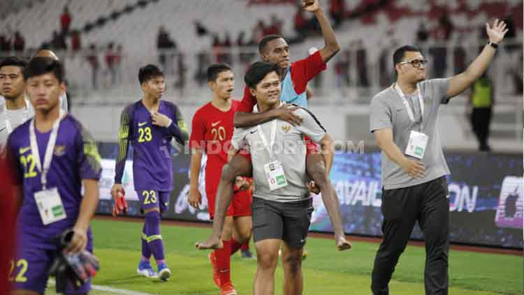 Timnas Indonesia U-16 saat merayakan keberhasilan lolos ke putaran final Piala Asia U-16 2020. Copyright: © Herry Ibrahim/INDOSPORT