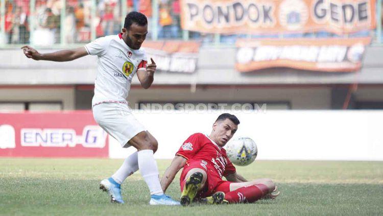Aksi kapten Barito Putera, Rizky Pora, di Liga 1. Copyright: © Herry Ibrahim/INDOSPORT