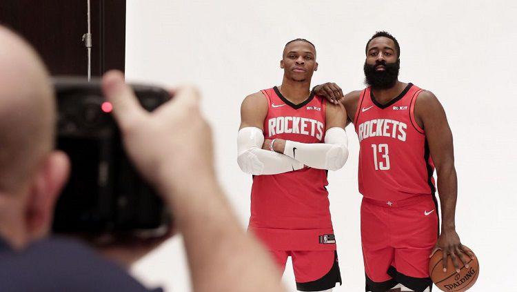 Russell Westbrook dan James Harden janjikan penampilan mengerikan di Houston Rockets dalam ajang NBA 2019-2020. Copyright: © AP/Michael Wyke