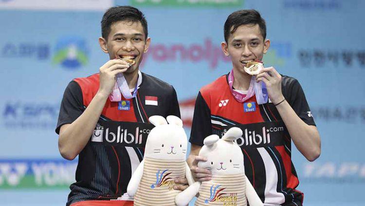 Pasangan ganda putra Indonesia, Fajar Alfian/M.Rian Ardianto berhasil mengalahkan pebulutangkis asal Jepang Takeshi Kamura/Keigo Sonoda di final Korea Open 2019. Copyright: © Humas PBSI