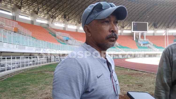 Fakhri Husaini, pelatih Timnas Indonesia U-19. Copyright: © Martini Gibsian/INDOSPORT