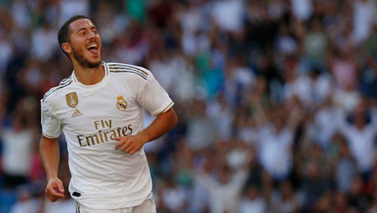 Selebrasi Eden Hazard pasca mencetak gol ke gawang Granada Copyright: © Manu Reino/SOPA Images/LightRocket via Getty Images