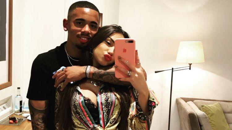 Bintang Manchester City, Gabriel Jesus terpuruk di hari Valentine, setelah putus dari model seksi asal Brasil, Fernanda Queiroz. Copyright: © instagram.com/dejesusoficial