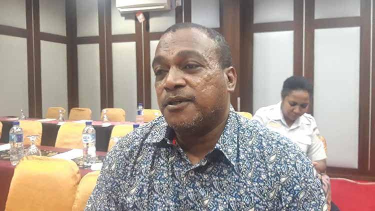 Legenda Persipura Jayapura, Kamasan Jack Komboy kini memiliki pekerjaan sebagai anggota DPR Papua. Copyright: © Istimewa