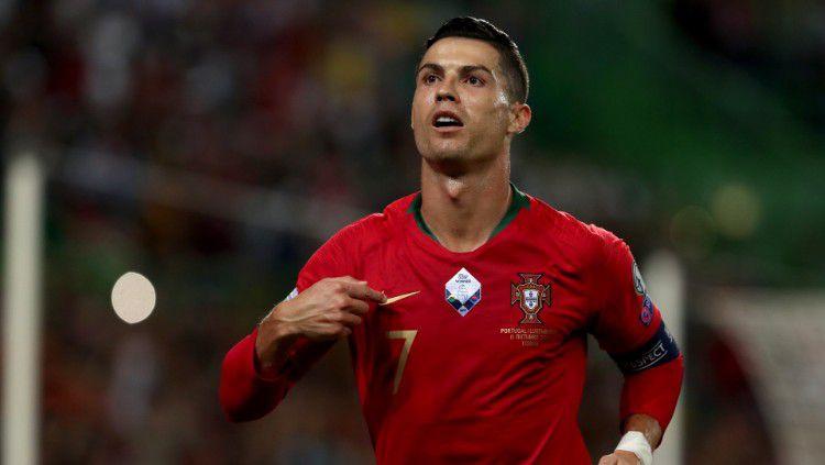 Cristiano Ronaldo saat merayakan gol ke gawang Luksemburg. Copyright: © https://twitter.com/Sporf
