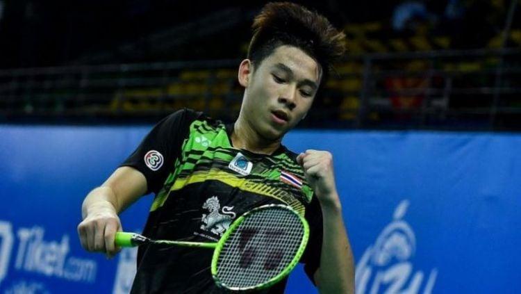 Berhasil melaju ke final Swiss Open 2021, bocah 19 tahun asal Thailand yakni Kunlavut Vitidsarn berhasil mencetak rekor mencengangkan. Copyright: © Nation Thailand