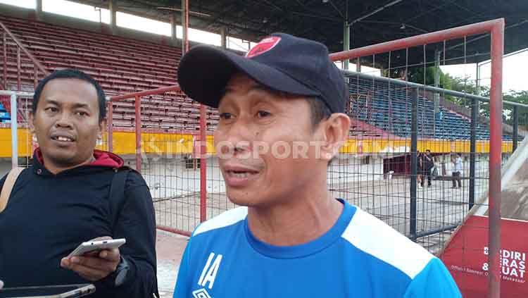 Asisten pelatih PSM Makassar, Imran Amirullah. Copyright: © Adriyan Adirizky Rahmat/INDOSPORT