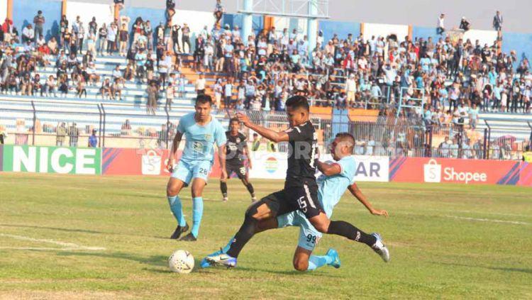 Laga pertandingan Persela Lamongan vs PSIS Semarang, Jumat (18/10/19). Copyright: © Alvin Syaptia Pratama/INDOSPORT