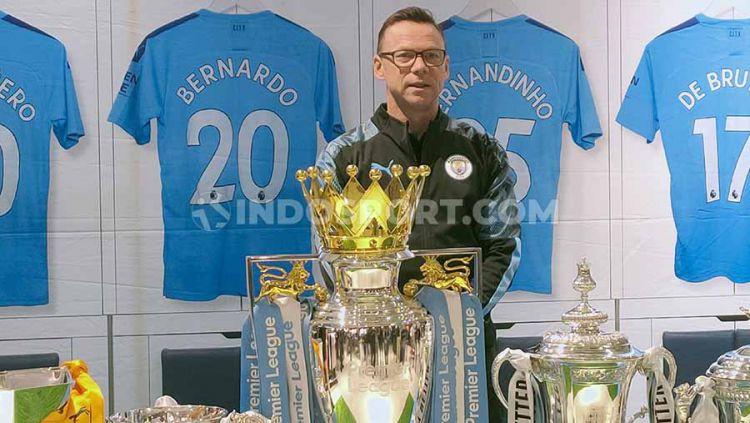 Pemain legenda dari klub sepak bola Manchester City, Paul Dickov berharap Sergio Aguero bisa menjadi penyelamat tim dalam kompetisi Liga Inggris musim ini. Copyright: © Martin Gibsian/INDOSPORT