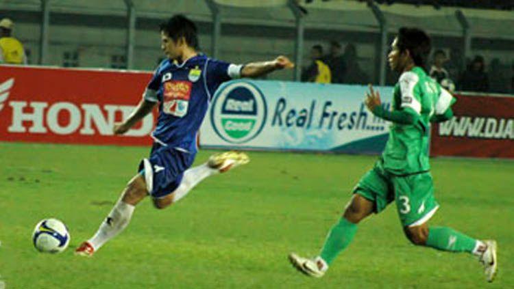 Jelang duel Liga 1, ternyata ada deretan skor terbesar yang menghiasi laga Persib Bandung vs Persebaya Surabaya sepanjang sejarah pertemuan kedua klub. Copyright: © simamaung.com