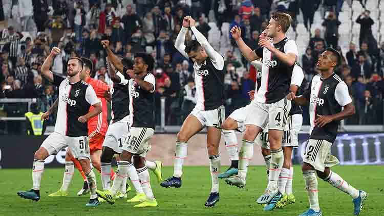 Meski menang atas Bologna pada pekan 8 Serie A Italia 2019-2020, pelatih Juventus, Maurizio Sarri, sempat kecewa dengan anak asuhnya. Copyright: © Marco Luzzani/Getty Images