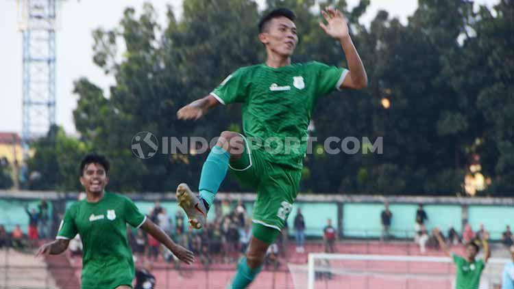 Pemain PSMS Medan, Eki Fauji Saputra, tak menyangka dapat mencetak dua gol dari set piece saat mengalahkan BaBel United di pertandingan Liga 2 2019. Copyright: © Aldi Aulia Anwar/INDOSPORT