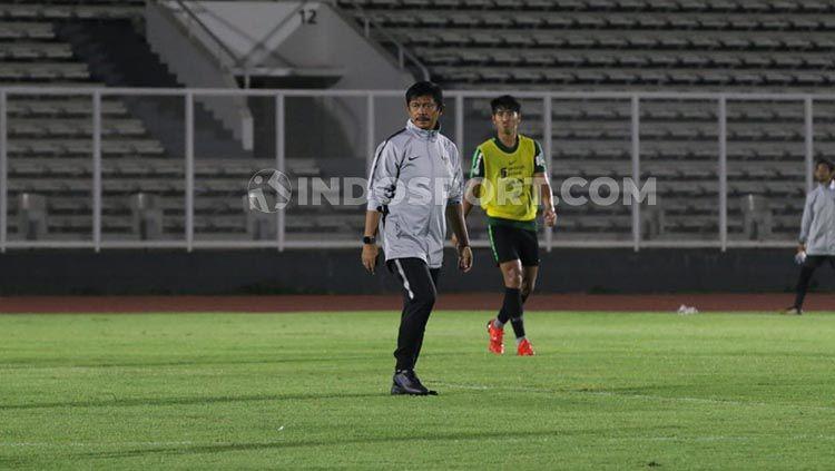 Indra Sjafri digadang-gadang bisa menjadi pelatih Timnas Indonesia senior. Copyright: © Petrus Manus Da'Yerimon/INDOSPORT