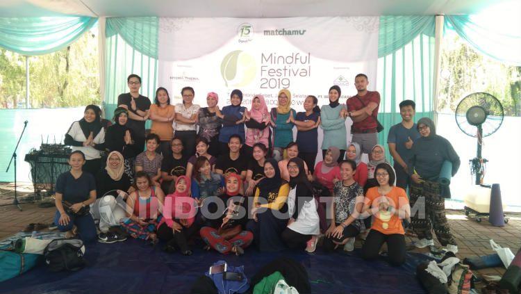 Kegiatan yoga di Mindful Festival 2019. Copyright: © Sesa Hidayat Putra/INDOSPORT
