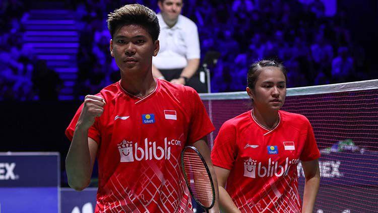 Praveen Jordan/Melati Daeva dikalahkan wakil China, Heng Siwei/Huang Yaqiong di perempatfinal Olimpiade Tokyo 2020, dengan skor 17-21, 15-21. Copyright: © PBSI