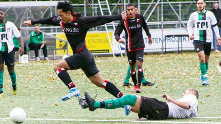 Yussa Nugraha, pemain Indonesia saat memperkuat tim HBS di Liga Belanda Copyright: © Doc Yussa Nugraha