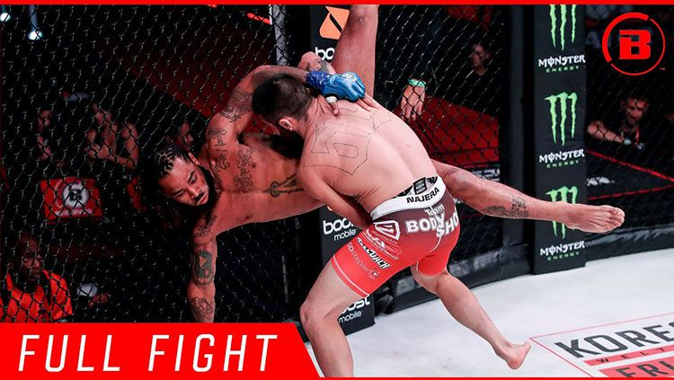 Seorang petarung Mix Martial Arts (MMA) asal Amerika Serikat, Jason Edwards harus KO (Knock Out). Copyright: © Youtube