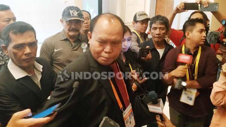 Calon Ketua Umum PSSI 2019-2023, Bernhard Limbong Copyright: © Coro Mountana/INDOSPORT