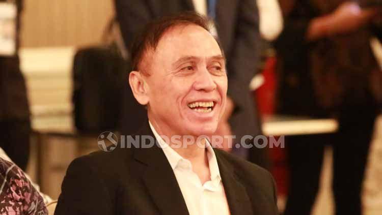 Iwan Bule terpilih sebaga ketua umum PSSI. Copyright: © Zainal Hasan/INDOSPORT