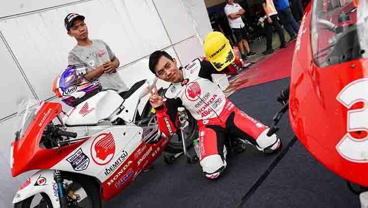Dunia balap berduka setelah melihat pembalap asal Indonesia, Afridza Munandar meregang nyawa di lintasan balap Asia Talent Cup(ATC) pada, Sabtu (02/11/19). Copyright: © pertamax7.com
