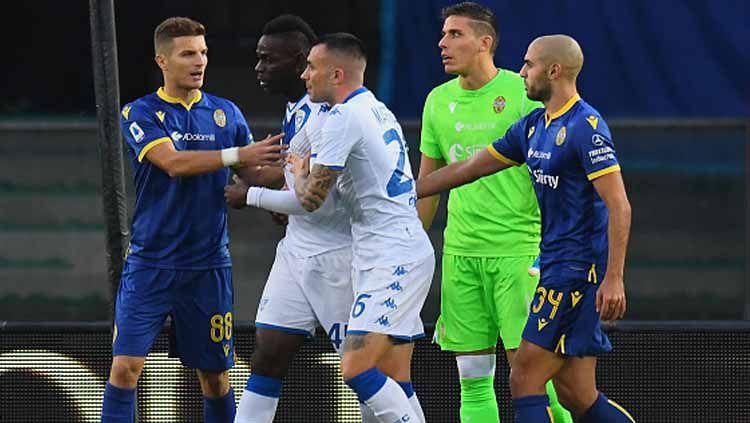 Mario Balotelli mendapat dukungan penuh untuk masuk skuat Timnas Italia dalam lanjutan kualifikasi Euro 2020 usai mendapat perlakuan rasisme Copyright: © Alessandro Sabattini/GettyImages