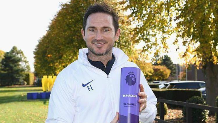 Frank Lampard dinobatkan sebagai pelatih terbaik Liga Inggris edisi bulan Oktober. Copyright: © premierleague.com