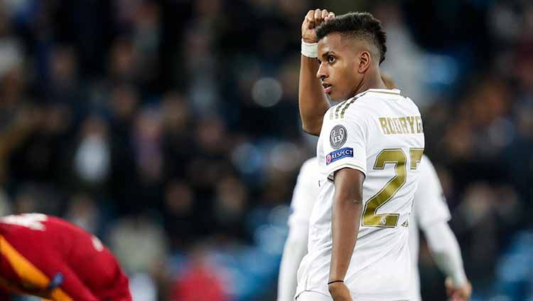 Striker Real Madrid, Rodrygo, menjadi bintang kemenangan saat melawan galatasaray di Liga Champions. Copyright: © David S. Bustamante/Soccrates/Getty Images