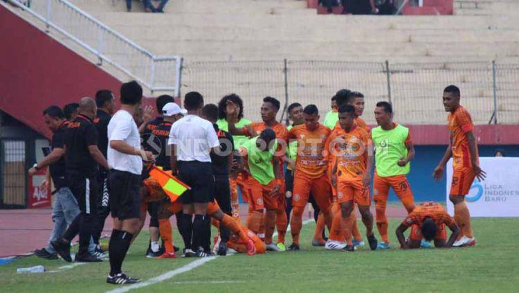 Laga Pertandingan babak pertama antara Persiraja Banda Aceh vs Mitra Kukar, skor 2-0, Sabtu (09/11/19). Copyright: © Fitra Herdian/INDOSPORT