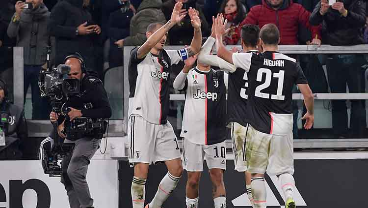 Usai Cristiano Ronaldo, kini Paulo Dybala selaku striker andalan Juventus yang sempat bersitegang dengan pelatihnya sendiri Maurizio Sarri di pekan lanjutan Serie A Liga Italia kontra AS Roma. Copyright: © Mattia Ozbot/Soccrates/Getty Images
