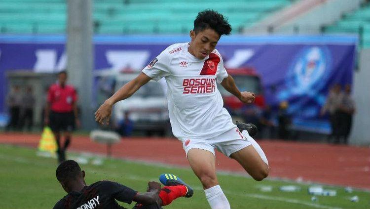 Pemain muda PSM Makassar, Aji Kurniawan gagal didaftarkan ke Piala AFC 2020. Copyright: © Instagram/@adjikurniawan