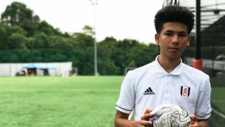 Benjamin Davis, wonderkid Fulham yang akan memperkuat Thailand Copyright: © sg.news.yahoo.com