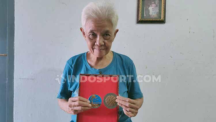 Inilah fakta-fakta miris dari legenda tunggal putri Indonesia, Tati Sumirah yang berpulang pada Kamis (13/02/20) pukul 22.30 WIB lalu. Copyright: © Martin Gibsian/INDOSPORT