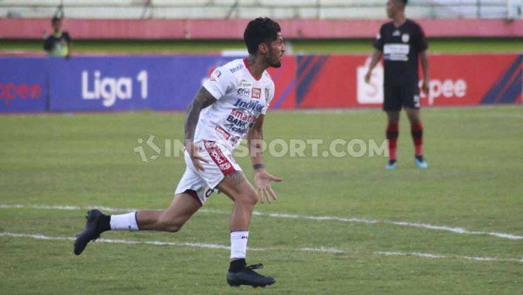 Winger Bali United, Stefano Lilipaly. Copyright: © Nofik Lukman Hakim/INDOSPORT