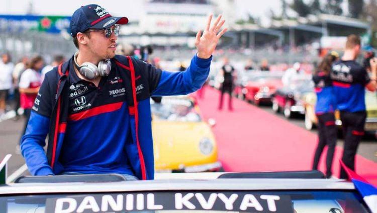 Tim Scuderia Toro Rosso akhirnya memutuskan untuk memperpanjang kontrak Daniil Kvyat dan Pierre Gasly untuk balapan Formula 1 musim 2020. Copyright: © Peter Fox/Getty Images