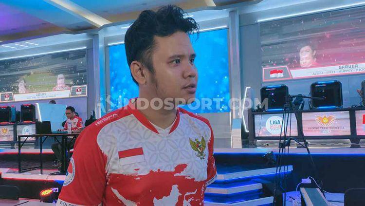 Kandas di babak kualifikasi, Kamis (05/12/19), wakil eSports Indonesia di SEA Games 2019 nomor HearthStone sesali kendala teknis komputer mati. Copyright: © Martin Gibsian/INDOSPORT