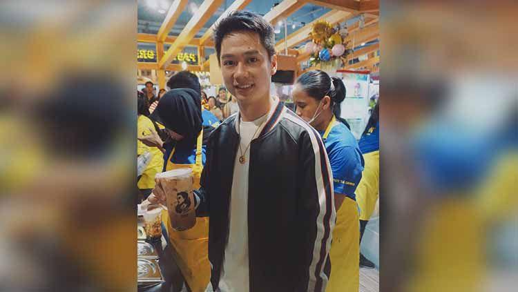 Ada sedikitnya 3 pemain bulutangkis Indonesia aktif yang kini merambah bisnis kuliner untuk menjadi pegangan hidup pasca pensiun nanti, termasuk Kevin Sanjaya. Copyright: © Instagram/@kevin_sanjaya