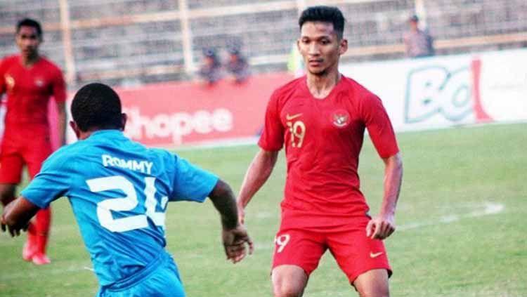 Gelandang timnas Indonesia dan Bhayangkara FC, Teuku Muhammad Ichsan. Copyright: © tmichsan