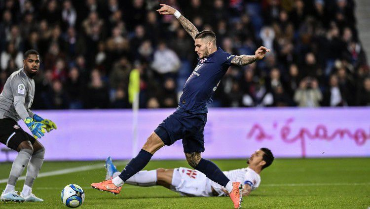 Aksi Mauro Icardi saat mencetak gol di laga PSG vs Lille pada pekan ke-14 Ligue 1 Prancis, Sabtu (23/11/19). Copyright: © https://twitter.com/PSG_inside