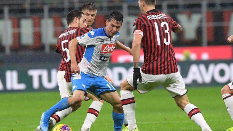 Aksi pemain AC Milan vs Napoli dalam pertandingan pekan ke-13 Serie A Liga Italia, Minggu (24/11/19). Copyright: © https://twitter.com/en_sscnapoli