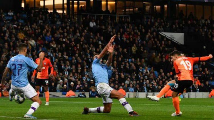 Manchester City memastikan satu tiket ke babak 16 besar Liga Champions 2019-2020 usai bermain imbang dengan Shakhtar Donetsk, Rabu (27/11/19) dini hari WIB. Copyright: © Twitter