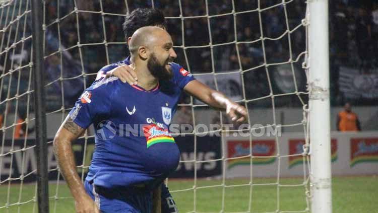 Berikut prediksi pertandingan Liga 1 2019 antara PSIS Semarang vs Arema FC, Minggu (08/12/19). Copyright: © Alvin Syaptia/INDOSPORT
