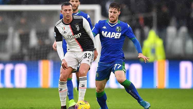 Juventus siap melakukan segala cara demi memboyong Jorginho dari Chelsea, termasuk melepas Federico Bernardeschi sebagai gantinya ke klub Liga Inggris tersebut. Copyright: © Valerio Pennicino - Juventus FC/Juventus FC via Getty Images