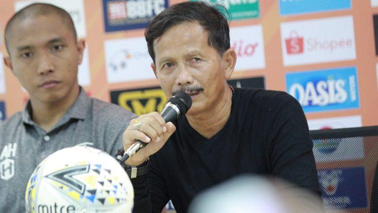 Pelatih Barito Putera, Djajang Nurdjaman, dalam konferensi pers usai pertandingan Liga 1 2019. Copyright: © Media Barito Putera